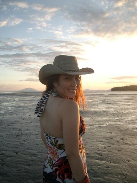 Sunset Goddess in Samar_hat_2