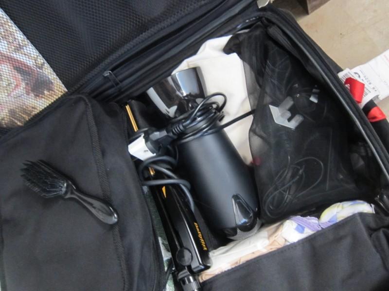 B's luggage