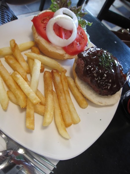 Wicked Kitchen restaurant_burger